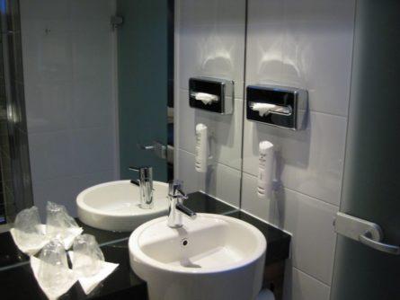 Das Bad (3)