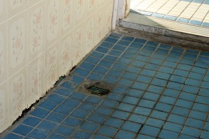 Der Boden im Eingang zum Swimming Pool