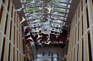 Blick in die Lobby und auf die Hotel-Bar