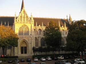 Blick aus dem Fenster auf die Kirche