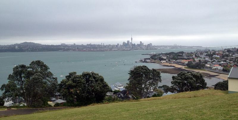 Die Skyline Auckland vom North Head aus gesehen