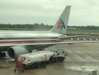 N350AN wird in Düsseldorf betankt