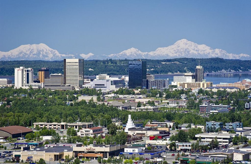 Die Skyline von Anchorage (Foto: Visit Anchorage, Ken Graham)