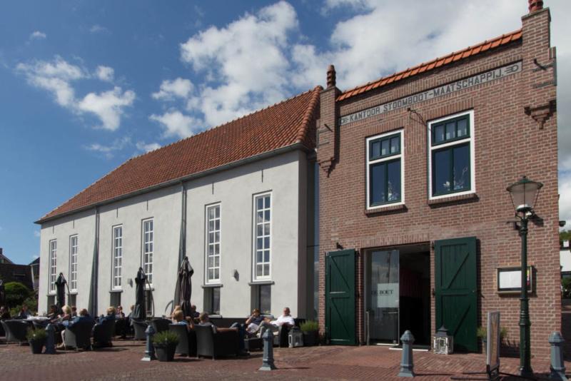 Restaurant De Boet - direkt am Hafen von Urk gelegen