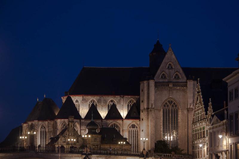 Sint Michielskerk bei Nacht