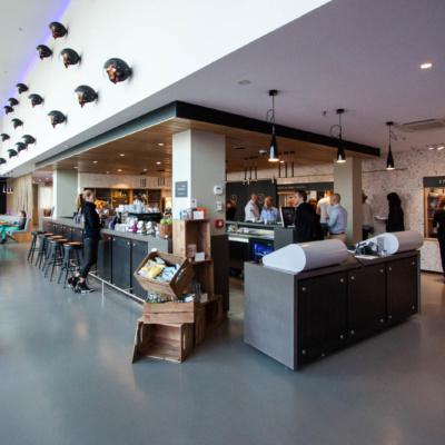 Lobby und Rezeption des Moxy Hotel Mailand