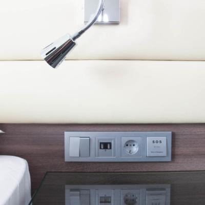 Steckdosen satt in den Zimmern im Moxy Hotel Mailand