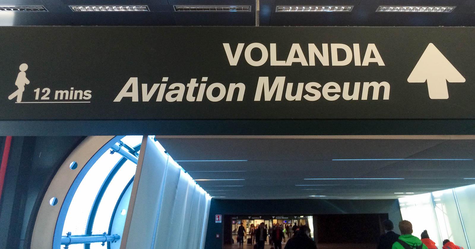 Wegweiser zum Luftfahrtmuseum Volandia im Terminal 1 in Malpensa