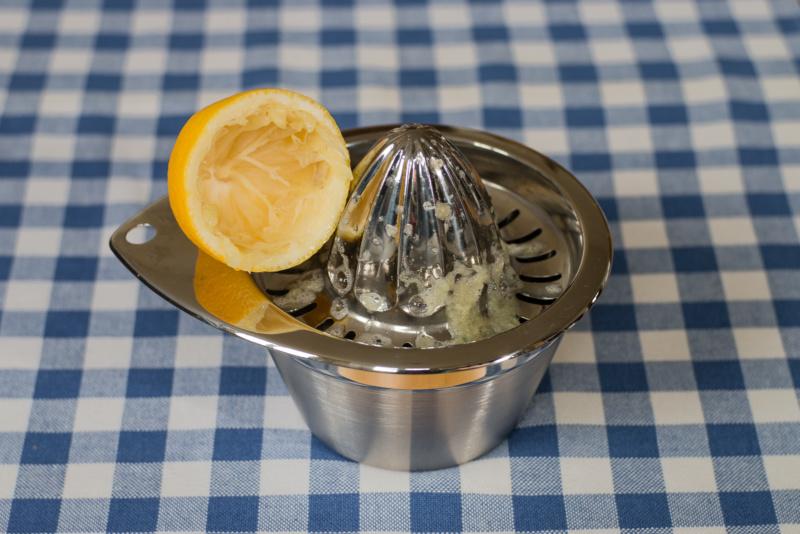 Eine ausgequetschte Zitrone ist: Saftlos!