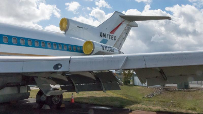 Das Heck der ersten jemals gebauten Boeing 727 (N7001U) im Boeing Restoration Center