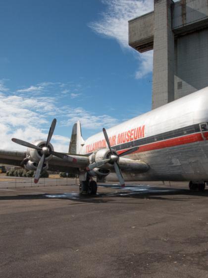 Tillamook Air Museum mit Mini Guppy