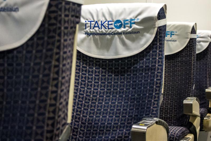 Die Sitzreihen im Boeing 737 Simulator von iTakeOff