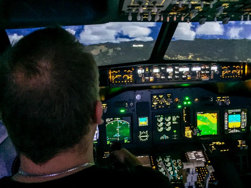 Mit einer Boeing 737 das Hollywood Sign in LA überfliegen - geil!