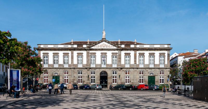 Das Rathaus von Angra do Heroísmo