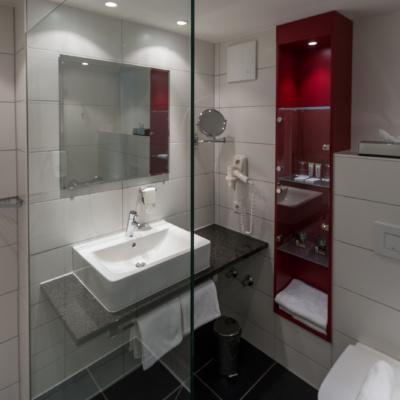 Das Badezimmer im Lindner Hotel Schloss Reichmannsdorf