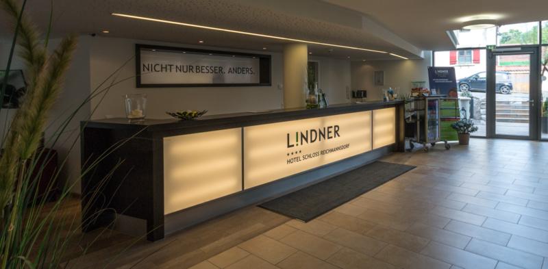 Die Rezeption des Lindner Hotel Schloss Reichmannsdorf