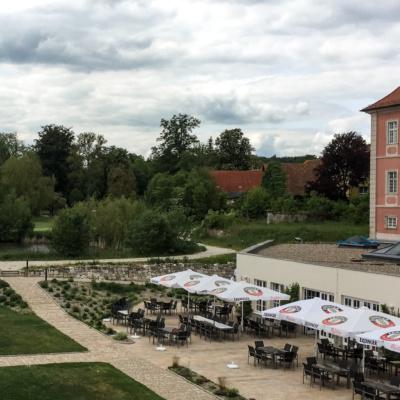 Schloss Reichmannsdorf mit Biergarten