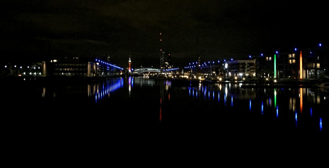 Der neue Hafen bei Nacht