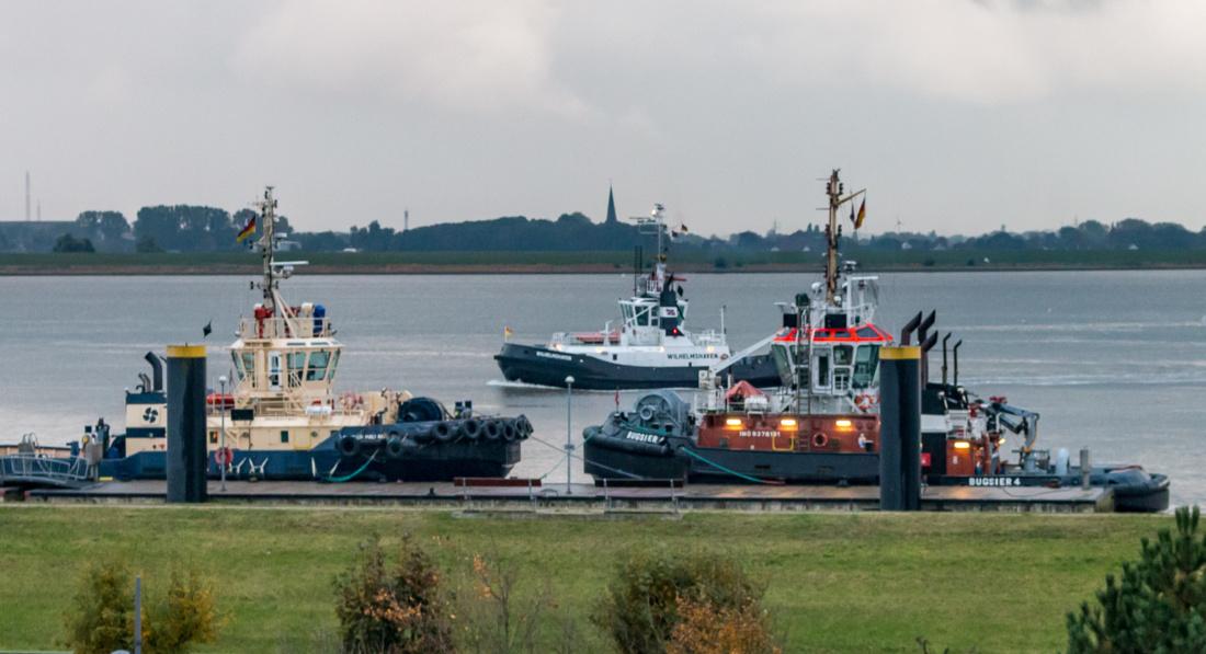 Die Schlepper auf der Weser
