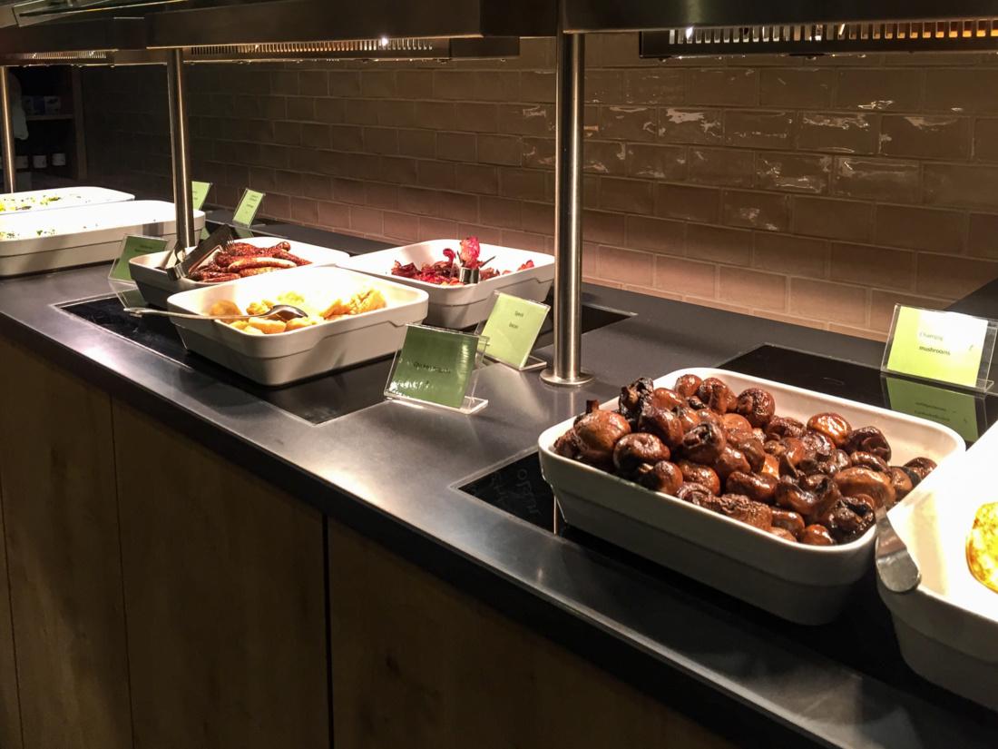 Frühstücksbuffet im Lindner City Plaza Köln