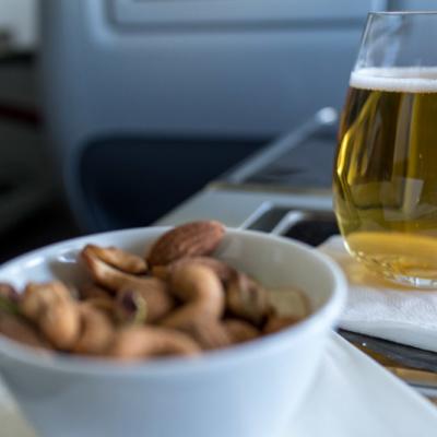 Bier und Nüsse