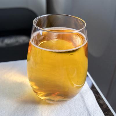Kein Apfelsaft, sondern Bier ohne Schaum