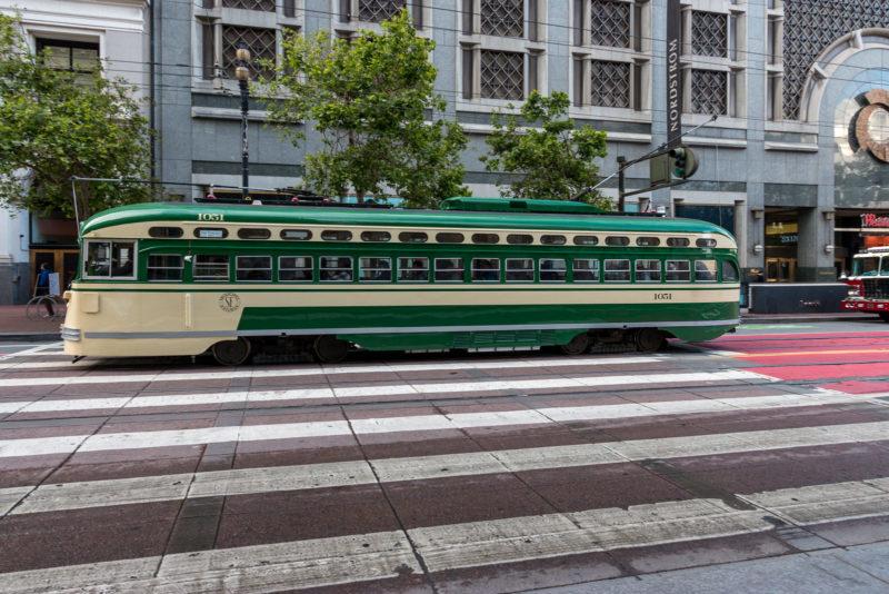 """Eine der historischen """"Streetcars"""" der F-Line"""