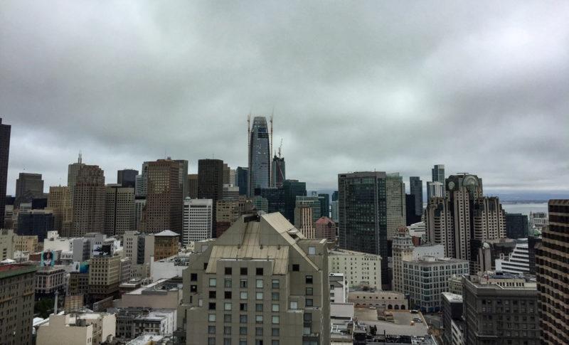 Typisch San Francisco: Nebel und tiefe Wolken