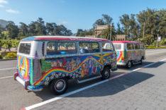 Zwei VW Bullis von San Francisco Love Tours