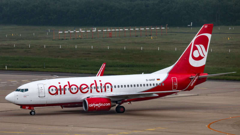 Boeing 737 (D-AHXF) der TuiFly in Air Berlin Livery