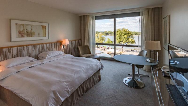 Zimmer mit Rheinblick im Hyatt Regency Mainz