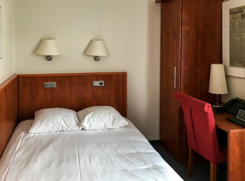 Altes Zimmer im Hotel de Lindeboom