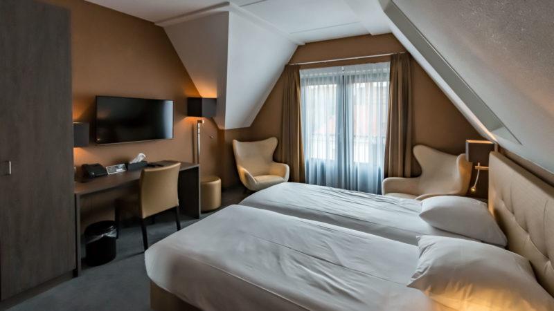 Modernes Zimmer im Hotel De Lindeboom