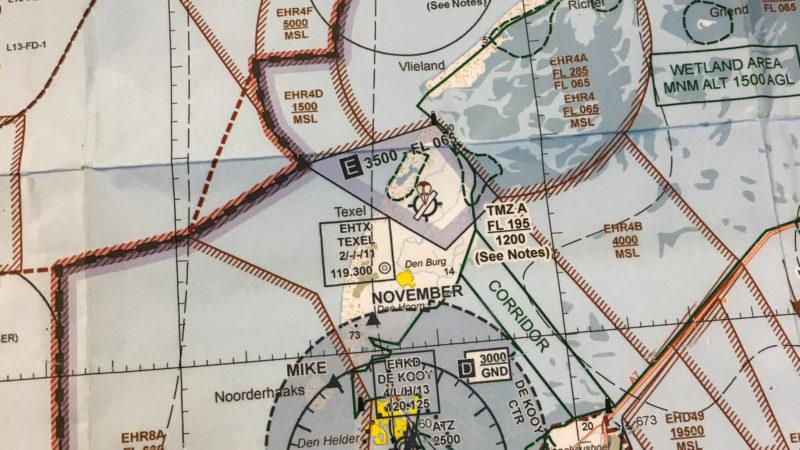 Der Flughafen Texel (EHTX) und seine Umgebung auf der VFR-Karte