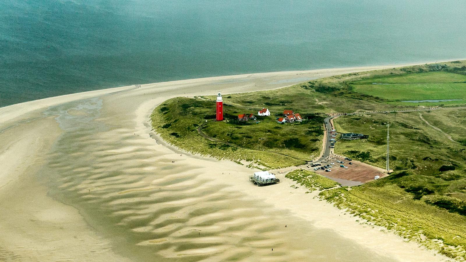 Der Leuchtturm von Texel aus der Luft