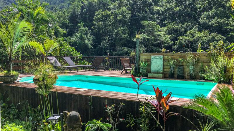 Der Swimming Pool des Maison Rousse