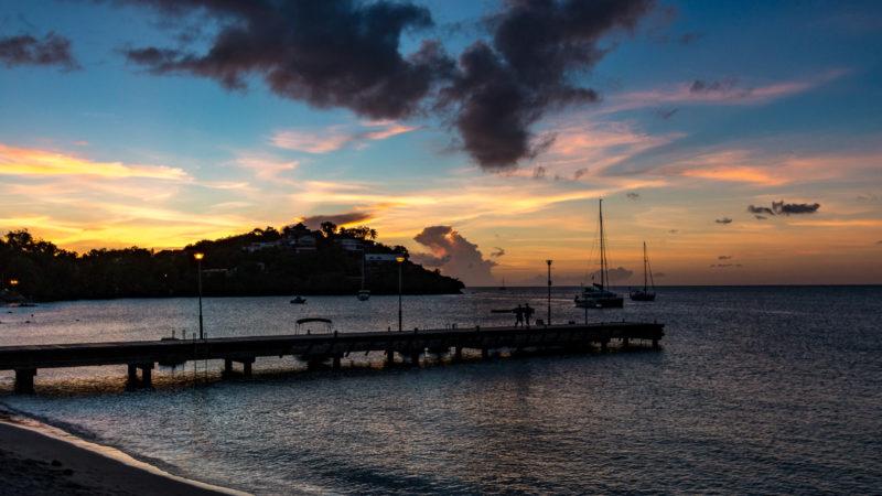 Sonnenuntergang am Strand der Anse Mitan