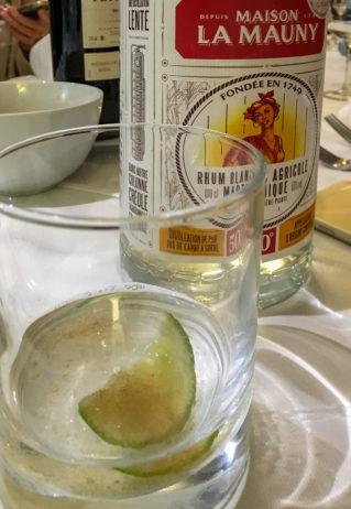 Ti Punch und eine Flasche La Mauny