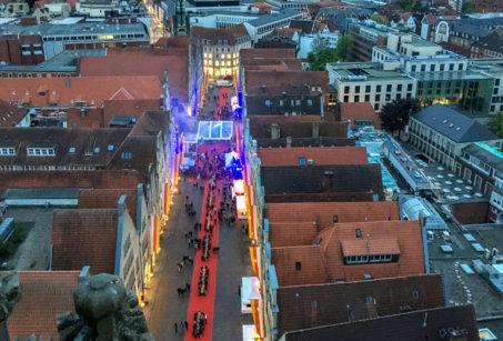 Blick von St. Lamberti auf den geschmückten Prinzipalmarkt