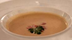 Apfel-Meerrettich-Suppe mit Kalbstafelspitz (Gut Kump, Hamm)