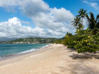 Der Strand im Spice Island Beach Resort auf Grenada