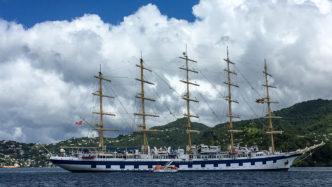 Die Royal Clipper auf Reede vor St. Georges auf Grenada