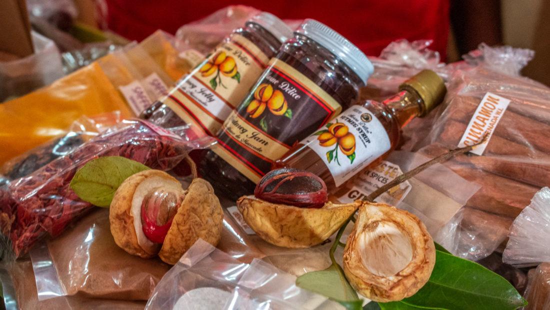 Muskat: Als Frucht mit Blüte und Nuss, Macisblüte, Marmelade, Gelee und Öl