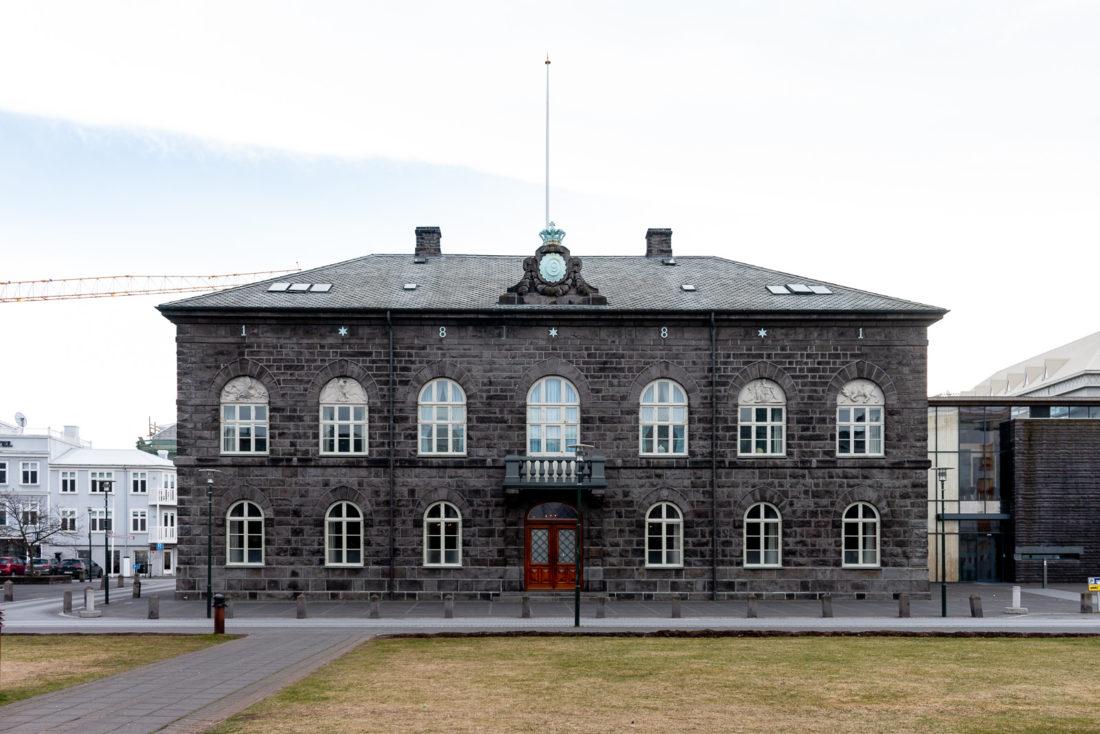 Das Gebäude des isländischen Parlaments, des Althing