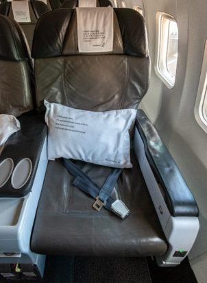 Sitz 3A in der Saga Class der Icelandair