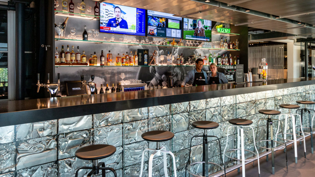 Die Bar im V8-Hotel Köln