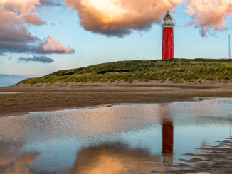 Der Leuchtturm von Texel in der Abendsonne